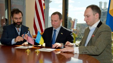 Kharkiv Governor Raynin Signs cooperation agreement with Eurasia Democracy Initiative