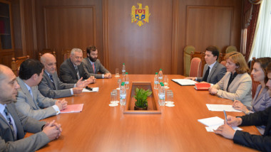 EDI joins the American Jewish Committee delegation for a meeting with Moldova's Foreign Minister, June 11, 2014 (in MOLDOVAN)